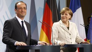 Le Monde: Μέρκελ και Ολάντ ασκούν πιέσεις για μια κατάληξη σε συμφωνία