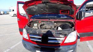 Πάτρα: Είχε κρύψει αλλοδαπό στη μηχανή του αυτοκινήτου