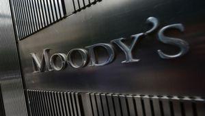 Moody's: Η συμφωνία της Ελλάδας με τους δανειστές αυξάνει την πιθανότητα ελάφρυνσης του χρέους της