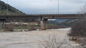 Τρίκαλα: Κατολισθήσεις και άνοδος της στάθμης στον Πηνειό από την έντονη βροχή