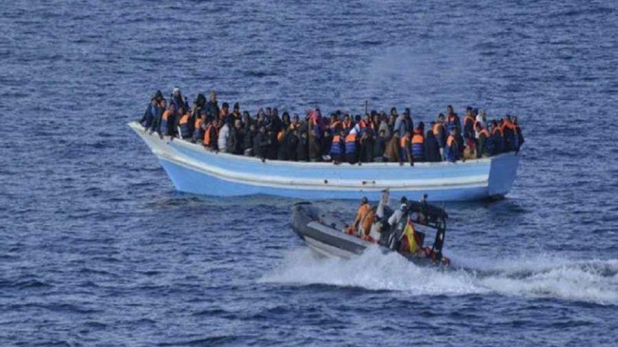Έξι βάρκες με πρόσφυγες έφτασαν σε Λέσβο και Χίο