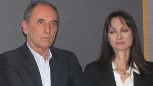 Σταθάκης & Κουντουρά: Συνάντηση με οργανώσεις