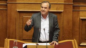 Στρατούλης: Έτοιμα οκτώ νομοσχέδια για τα κοινωνικά εργασιακά