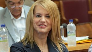 Θεοδώρα Τζάκρη: Συνάντηση με τα μέλη του Πανελληνίου Συνδέσμου Διογκωμένης Πολυστερίνης