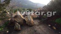Βοιωτία: Έπεσαν τεράστιοι βράχοι και απείλησαν τα πρώτα σπίτια του χωριού