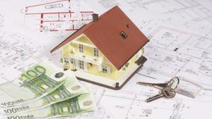 Νέοι οικογενειάρχες στη μέγγενη των δανείων