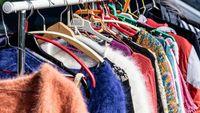 DW: Οι πωλήσεις από «δεύτερο χέρι» και πάλι της μόδας