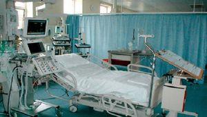 Κορονοϊός: Πιάνουν δουλειά στα δημόσια νοσοκομεία οι πρώτοι 30 ιδιώτες γιατροί