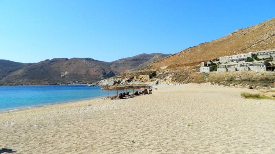 Στη Σέριφο η πρώτη παραλία μη καπνιστών της Ελλάδας