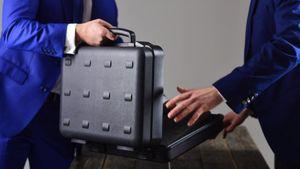 ΕΕ: Έλεγχοι σε ταξιδιώτες με μεγάλα ποσά μετρητών