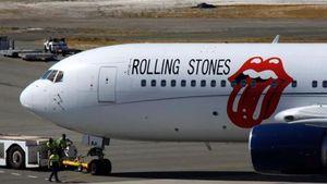Στη Σκιάθο προσγειώθηκε το lear jet των Rolling Stones