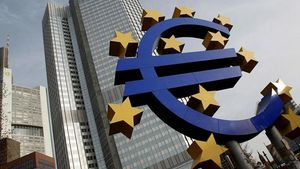 Bloomberg: Οι τράπεζες της Ευρωζώνης αντιμετωπίζουν δυσκολίες στον δανεισμό τους