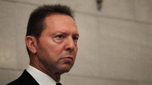 Μήνυση Στουρνάρα κατά δύο ανώνυμων μαρτύρων για Novartis