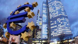ΕΚΤ: «Βλέπει» ανάπτυξη και μείωση της ανεργίας