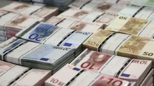 Eurobank: Αύξηση των καταθέσεων για τρίτο συνεχόμενο μήνα