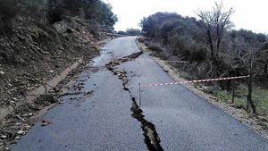 Ζημιές σε δρόμους στην Ηλεία, λόγω πλημμυρών και κατολισθήσεων