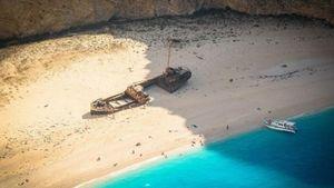 Ζάκυνθος: Άλλαξε χρώμα η θάλασσα μετά τις κατολισθήσεις