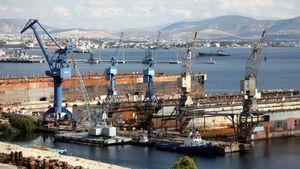 Παραπομπή για τέσσερις στην υπόθεση της μεταβίβασης των ναυπηγείων Σκαραμαγκά