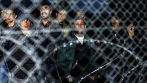 Η Υ.Α. απευθύνει έκκληση για τη βελτίωση των συνθηκών στα ελληνικά νησιά