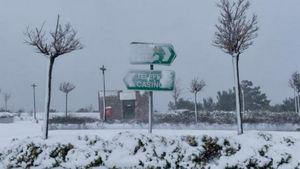 Χιόνια-Αττική: Διακοπή κυκλοφορίας σε Πάρνηθα και Περιφερειακό Πεντέλης