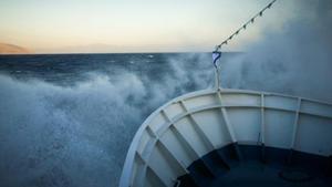 Επιβατηγό πλοίο προσέκρουσε στον λιμένα Καβάλας - Σώοι οι επιβάτες