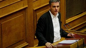 """Τσακαλώτος: """"Στον ΣΥΡΙΖΑ κοιτάμε μπροστά- Θέλουμε η Θεσσαλονίκη να γίνει το κέντρο των Βαλκανίων"""""""