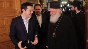 Μαξίμου προς Ιερά Σύνοδο: Για το καθεστώς μισθοδοσίας των ιερέων αποφασίζει η πολιτεία