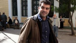 Ποινή φυλάκισης 8 μηνών στον Κ. Βαξεβάνη για δυσφήμιση της συζύγου Στουρνάρα