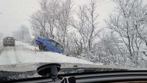 Φάρσαλα: Εκτροπή αυτοκίνητων λόγω χιονόπτωσης