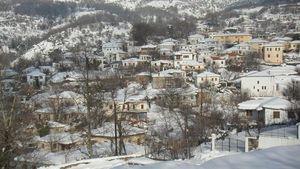 Καιρός: Χιόνια στη Μαγνησία - Με αλυσίδες από την Πορταριά και πάνω