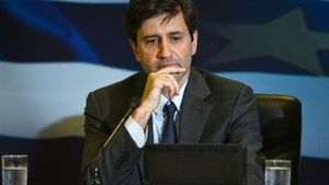 """Χουλιαράκης: """"Λάθος να μιλάτε για δύο σενάρια στον προϋπολογισμό"""""""