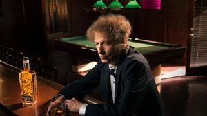 Οι business των stars: Το ουίσκι του Bob Dylan ανοίγει την «πόρτα του παραδείσου»