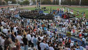 500 νέοι γιόρτασαν την αποφοίτησή τους στην ετήσια τελετή του DEREE