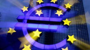 Περισσότεροι από 100 οικονομολόγοι θέλουν τη διαγραφή των δημόσιων χρεών από την ΕΚΤ