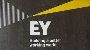 EY: Οι τράπεζες επανεξετάζουν τη διαχείριση κινδύνων