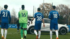 Το Hyundai IONIQ 5 προπονεί τα αστέρια της Chelsea και της Atlético de Madrid