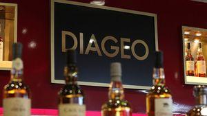 Η πανδημία έκοψε στο μισό τα κέρδη της Diageo