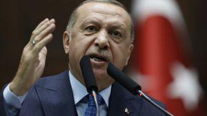 """Ερντογάν: Κατηγορεί τον Μακρόν για """"πόλεμο"""" εναντίον του Ισλάμ"""