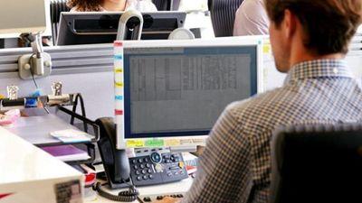 ΓΣΕΕ: Η πανδημία θέτει σε κίνδυνο τα εργασιακά δικαιώματα πιστεύουν 7 στους 10