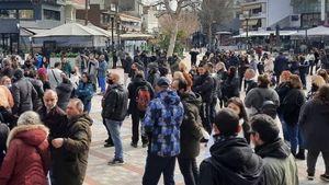 Συνεχίζονται οι διαμαρτυρίες κατά του Lockdown στον Εύοσμο