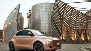 To νέο ηλεκτρικό Fiat 500 σαρώνει τα βραβεία σχεδιασμού