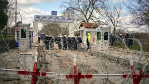 Πέτσας: Fake news της Τουρκίας τα περί τραυματισμών από ελληνικά πυρά