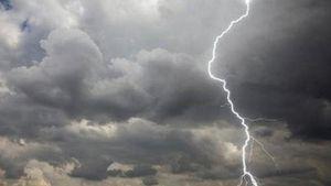 Καιρός: Βροχές και καταιγίδες φέρνει η «Κίρκη»