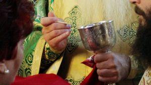Ιερά Σύνοδος της Εκκλησίας της Ελλάδος: Ανακοίνωση για συνέχιση της Θείας Κοινωνίας