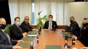 Σύσκεψη του Υπ. Ανάπτυξης με τον κ. Γ. Πατούλη και τον Πρόεδρο του Π.Ο.Σ.Π.Λ.Α