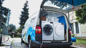 LG: Εξοπλίζει την κινητή μονάδα Ithaca Laundry με δύο καινούρια στεγνωτήρια