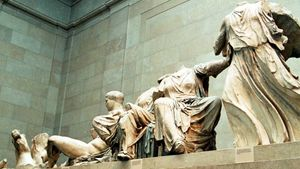 Μενδώνη: Δεν υπήρξε νόμιμη κτήση από τον λόρδο Έλγιν των Γλυπτών του Παρθενώνα