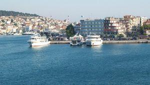 Μυτιλήνη: Πρόσκρουση φορτηγού οχηματαγωγού πλοίου στο λιμάνι