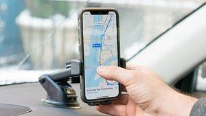 Γιατί δεν πρέπει να φορτίζουμε το κινητό στο αυτοκίνητο;