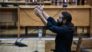 Δίκη Χρυσής Αυγής: Ο πατέρας του Μπαρμπαρούση κατέθεσε ως μάρτυρας στο δικαστήριο